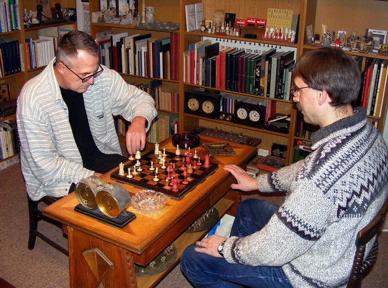 Hans-Jürgen Fresen play a game on the board of Adolf Anderssen, one of the strongest German chess player of the 19th century. Photo Large